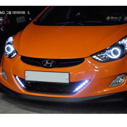 Решетка в бампер + ходовые огни на Hyundai Elantra 5 (Avante MD)