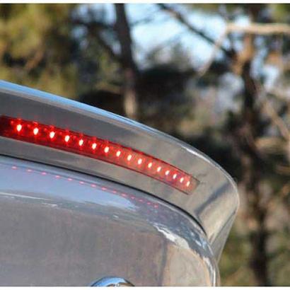 Лип-спойлер на багажник с подсветкой на Hyundai Elantra 5 (Avante MD)