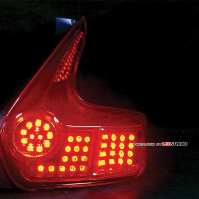 Полный комплект светодиодных модулей задней оптики на Nissan Juke