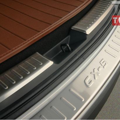Накладка на задний бампер - внешняя на Mazda CX-5