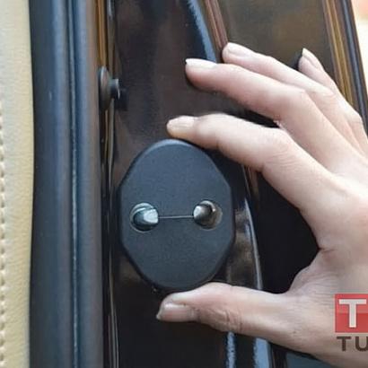 Заглушки на скобу двери на Mazda CX-5 1 поколение