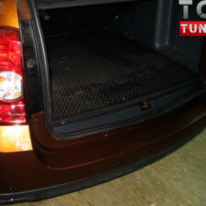 Тюнинг - Накладка на порог багажника на Renault Duster 1