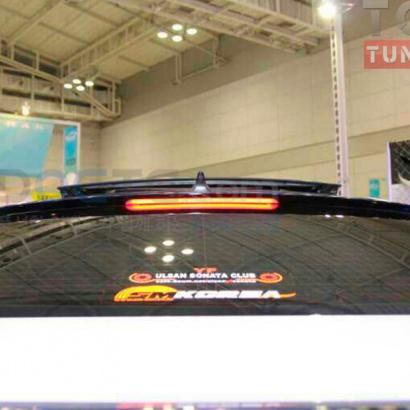 Спойлер с стоп-сигналом на заднее стекло на Hyundai Sonata 6 (YF)