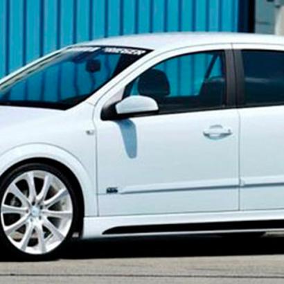 Боковые пороги на Opel Astra H 5D