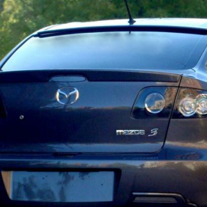 Спойлер на заднее стекло на Mazda 3 BK