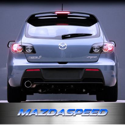 Высокий спойлер с стоп-сигналом на Mazda 3 BK