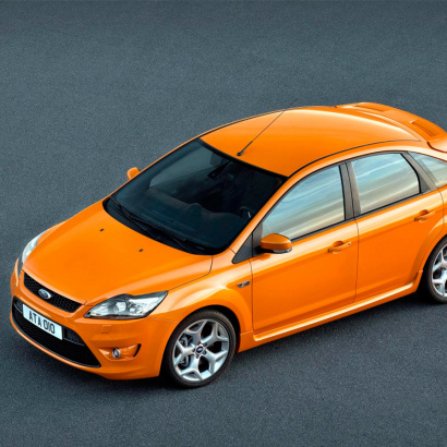 Накладки на пороги на Ford Focus 2
