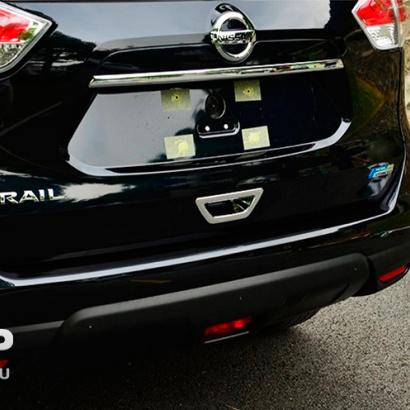 Декоративная накладка на ручку багажника на Nissan X-Trail T32