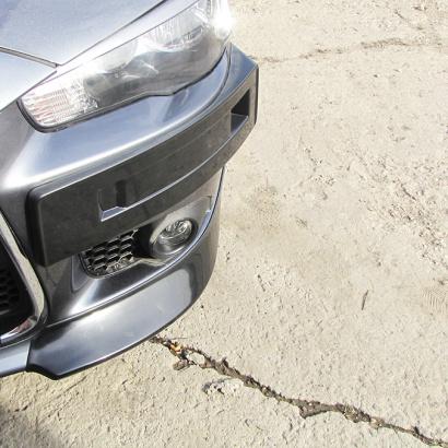 Клыки на передний бампер INT Sport (рестайлинг) на Mitsubishi Lancer 10 (X)