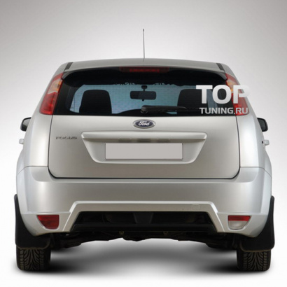 Задний бампер на Ford Focus 2