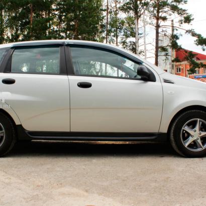 Накладки на пороги на Chevrolet Aveo 1