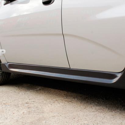Комплект накладок на пороги на Chevrolet Aveo 1