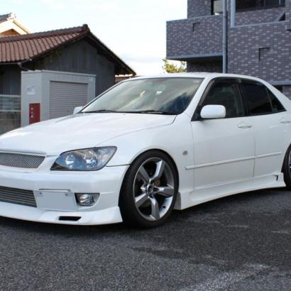 Пороги - Обвес Elixir на Toyota Altezza is200