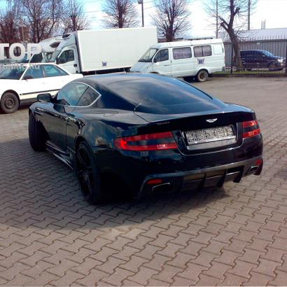 Задний бампер на Aston Martin DB9 1