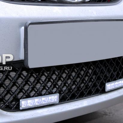 Решетка в бампер на Hyundai Solaris