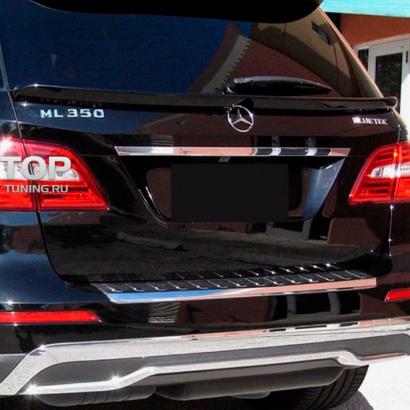 Центральный спойлер пятой двери  на Mercedes ML 166