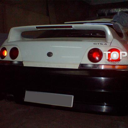 Задний бампер на Nissan Skyline R33