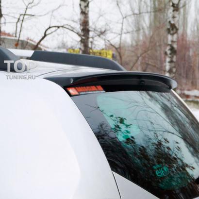 Спойлер крышки багажника на Renault Duster 1