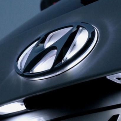 Светодиодная вставка под эмблему на Hyundai