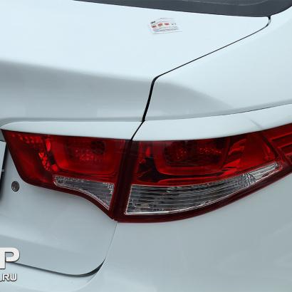 Реснички на задние фонари на Kia Rio 3