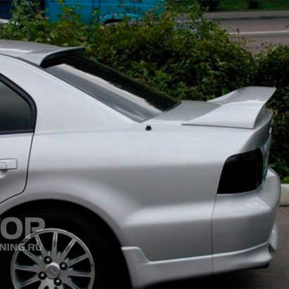Козырек на заднее стекло на Mitsubishi Galant 8