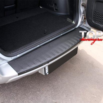 Накладка (протектор) на бампер на Toyota RAV4