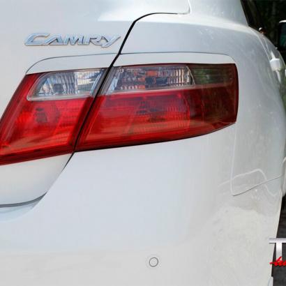 Реснички на задние фонари на Toyota Camry V40 (6)