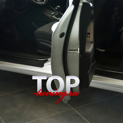 Накладки на внутренние пороги дверей на Kia Cerato 3