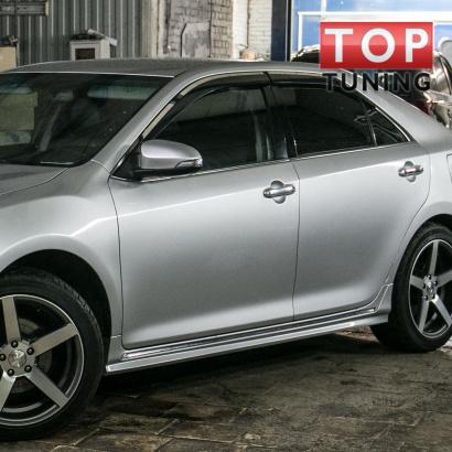 Накладки на пороги на Toyota Camry V50 (7)