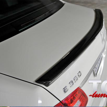 Спойлер на крышку багажника на Mercedes E-Class W212