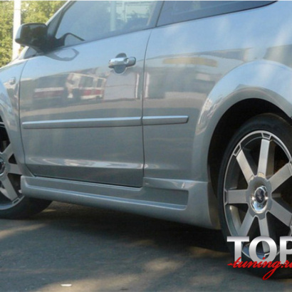 Накладки на пороги Sport на Ford Focus 2