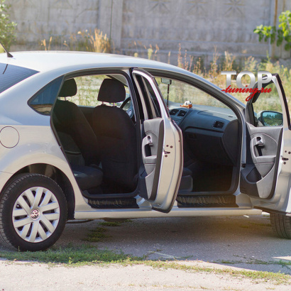 Накладки на внутренние пороги на VW Polo 5