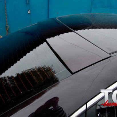 Широкий козырек на заднее стекло на Mazda 3 BK