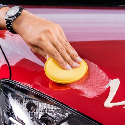 Покрытие автомобиля воском