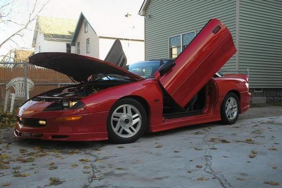 Ламбо двери на Chevrolet Camaro 1993?2002