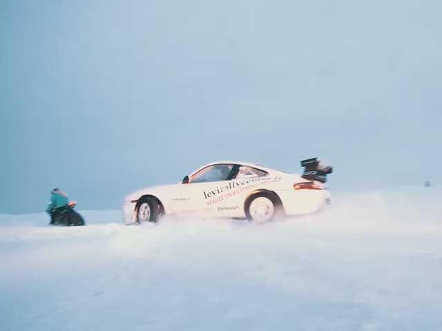Дрифт на мотоцикле, снегоходе и 911 GT3