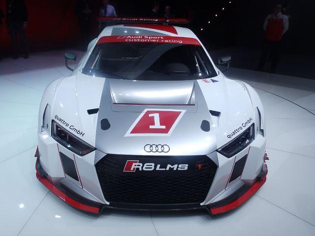 Audi представил R8 LMS в Женеве