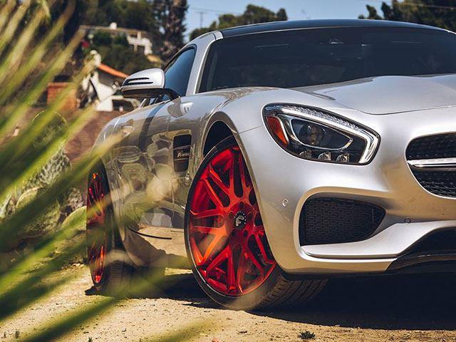 Красные диски - всё, что нужно Mercedes-AMG GT