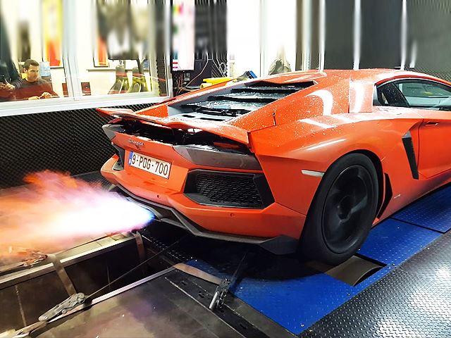 Aventador действительно такой мощный, как утверждает Lamborghini