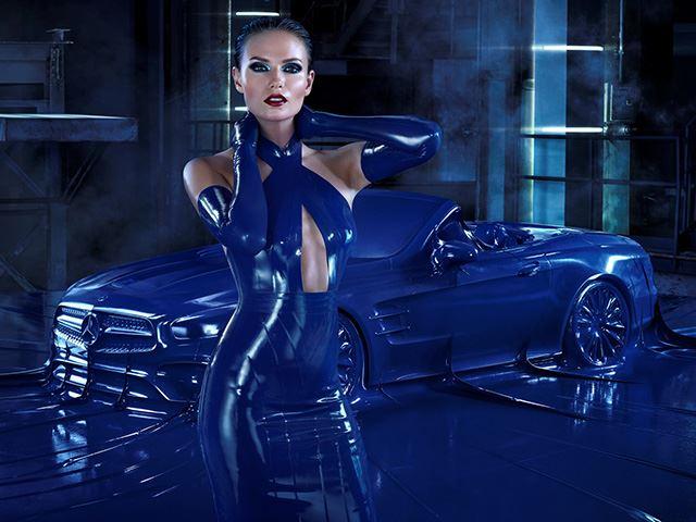 Mercedes покрыл свой новый SL латексом, потому что это модно... наверно