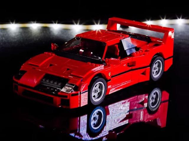 Смотрите, как Ferrari F40 будет построен за 1 минуту