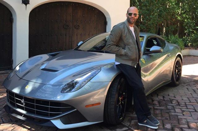 Звезда ''Форсажа'' позирует с Ferrari F12 Berlinetta