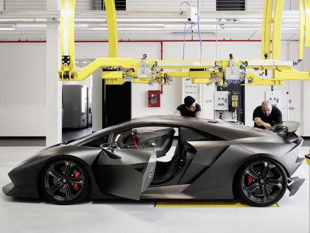 Lamborghini начала производство Sesto Elemento