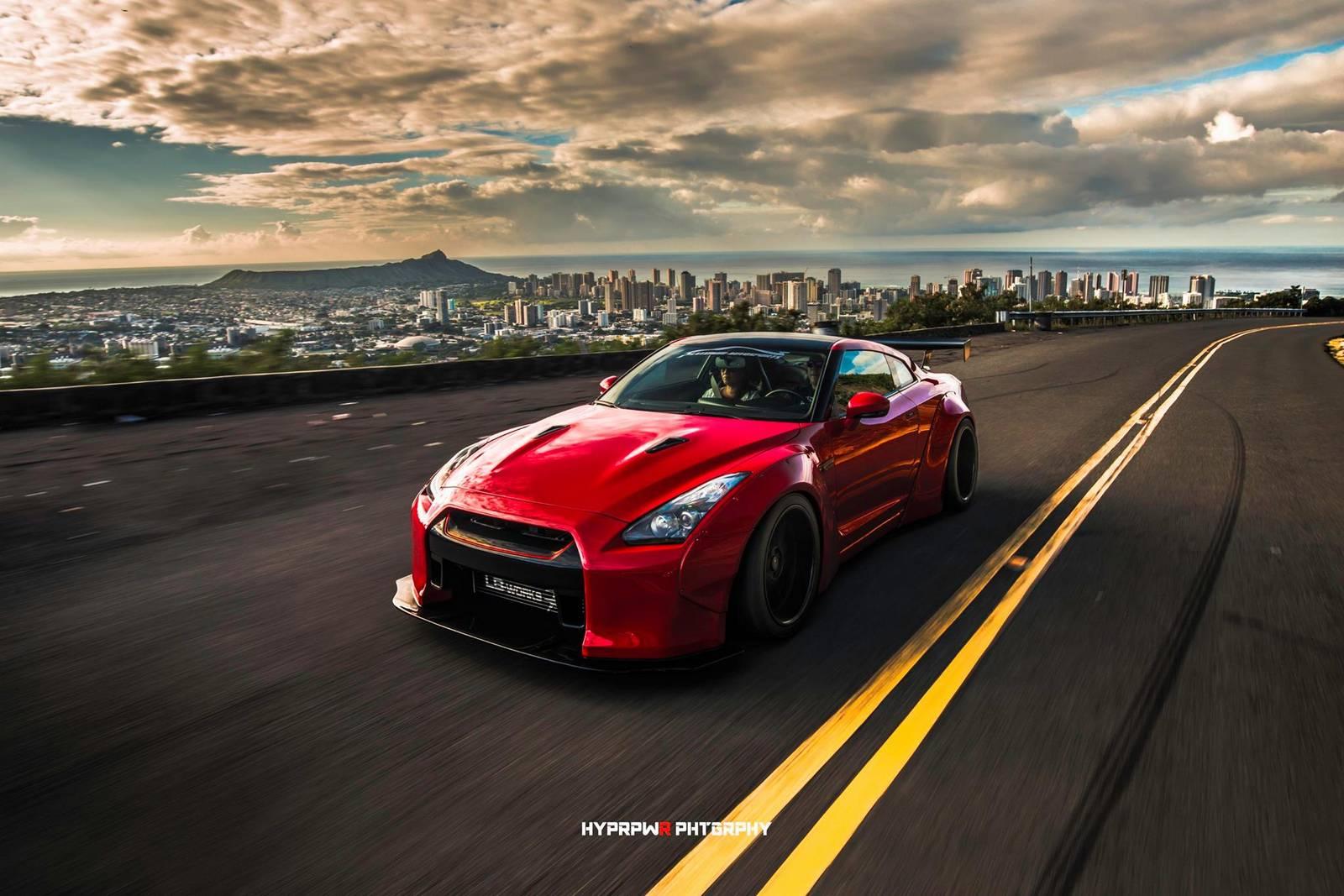Liberty Walk Nissan GT-R - фотосессия на Гавайях
