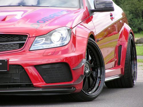 Domanig Ups the Mercedes-C63-AMG-Black-Series-to-600hp_7