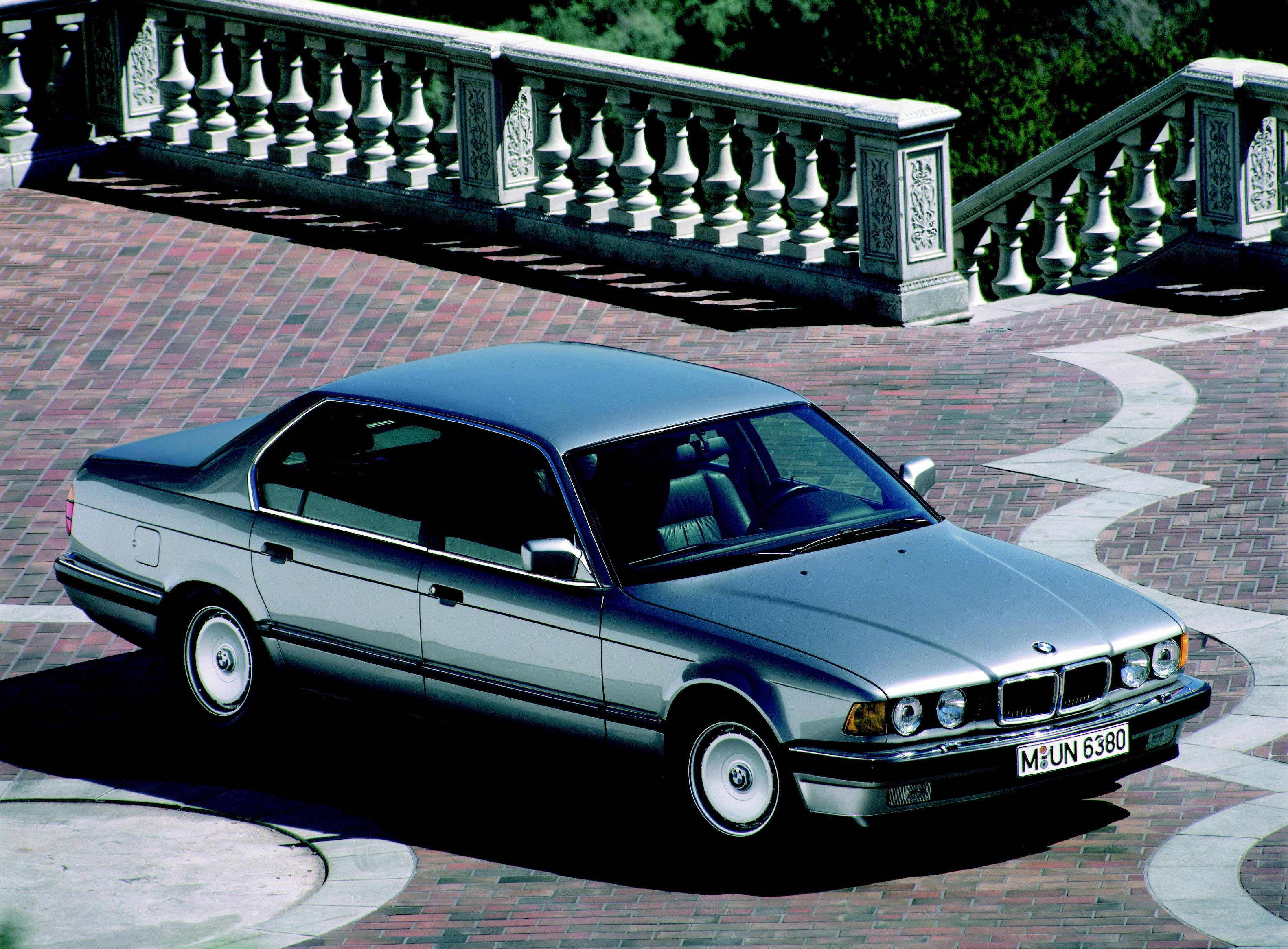 BMW 7 серии Е32, история, обзоры, тюнинг