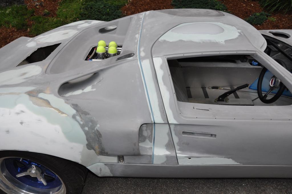 Автомобиль из стекловолокна