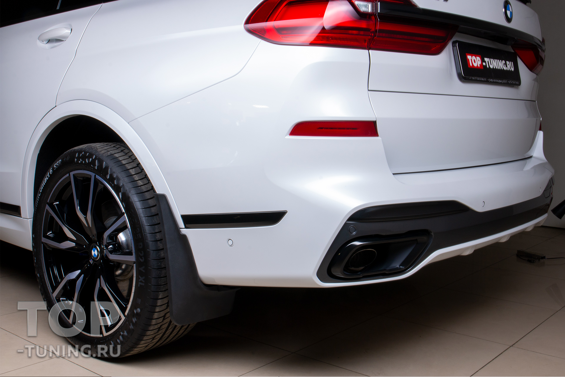 Брызговики на автомобиль - Установка (BMW X7 G07)