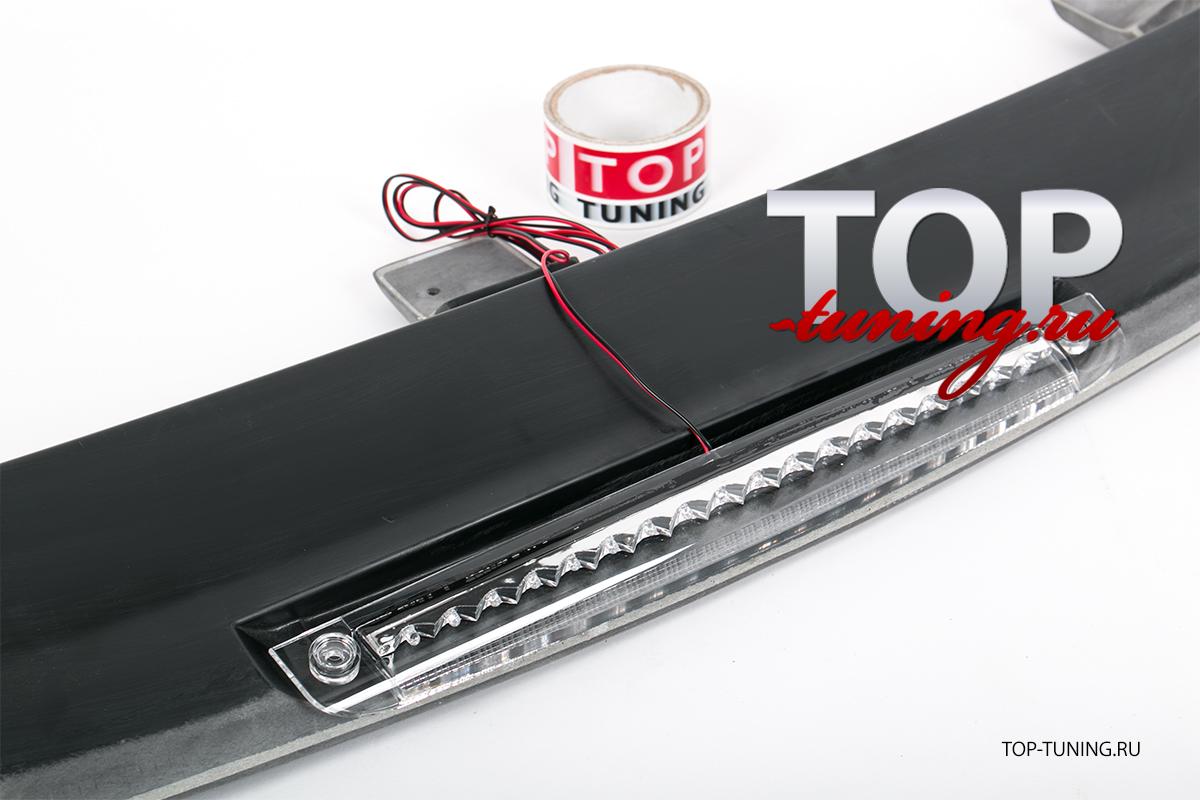 Спойлер на крышку багажника с стоп-сигналом - Тюнинг Митсубиси Паджеро Спорт (1 поколение, дорестайлинг, рестайлинг, 1996 - 2008)