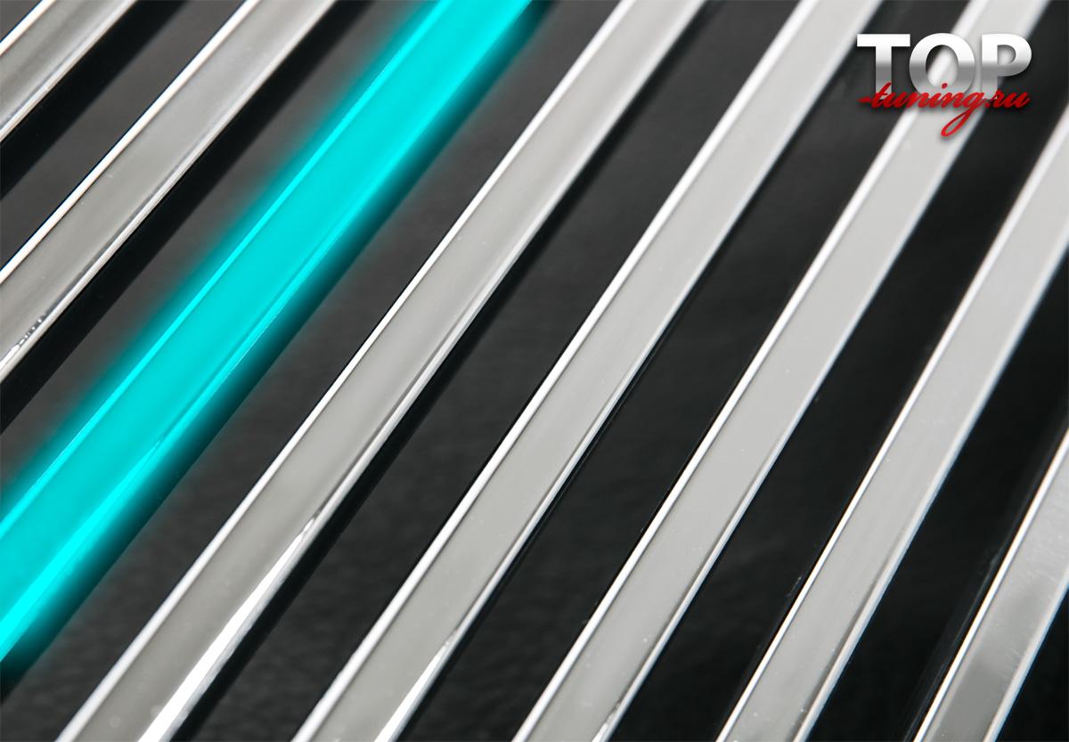 Декоративные накладки на передний бампер, воздухозаборник капота и решетку радиатора  - Тюнинг Тойота Хайлюкс (7 поколение, 2-ой рестайлинг 2011 / 2015 )